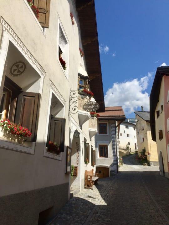 Außenansicht Hotel Engiadina