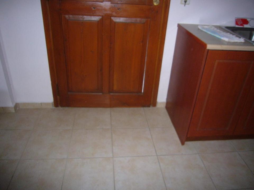 Defekte Eingangstür Amazones Village Suites