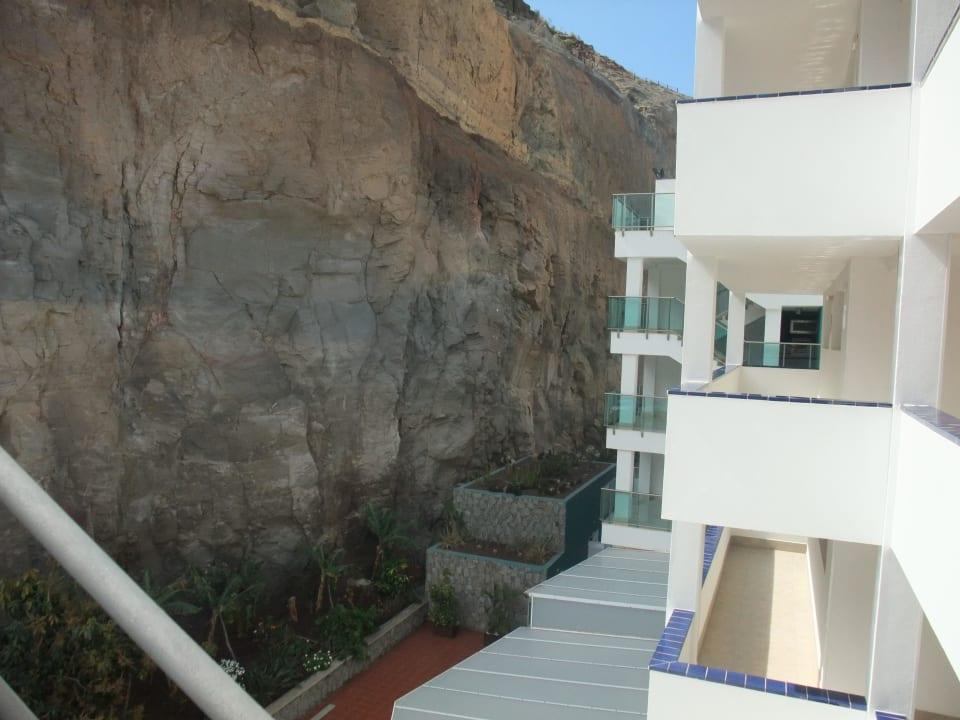 Blick zur Hinteranlage des Hotels Hotel Morasol Suites