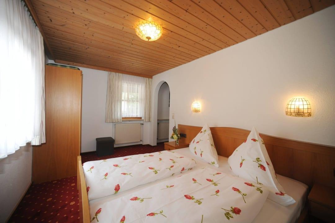 Gästezimmer Pension und Ferienwohnungen Zum Rechen
