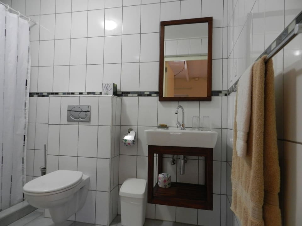 Zimmer 2 im Cottage Badezimmer Bed & Breakfast Sombre Di Kabana