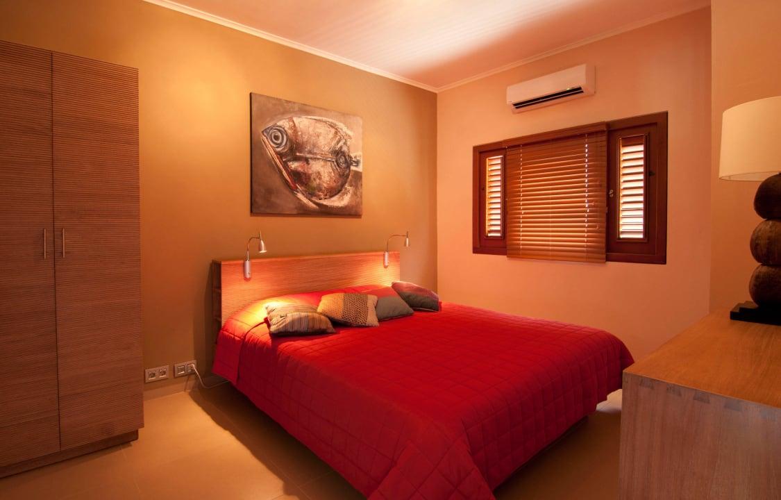 First bedroom La Maya Beach Curacao Resort
