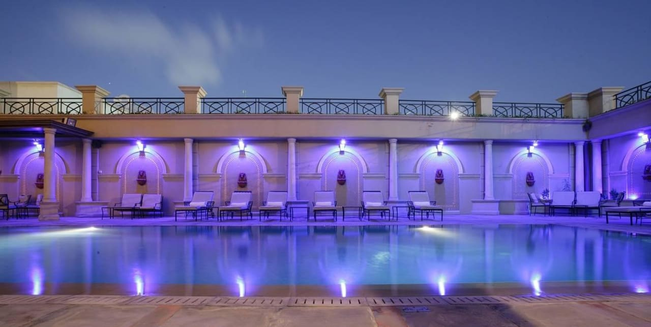 Pool  Plaza Hotel Chelsea