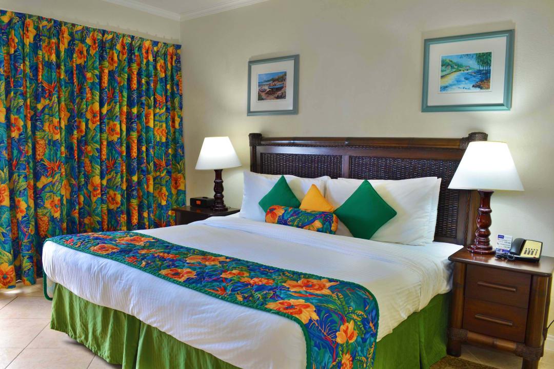 1 Bedroom Suite Bedroom Coral Mist Beach Hotel