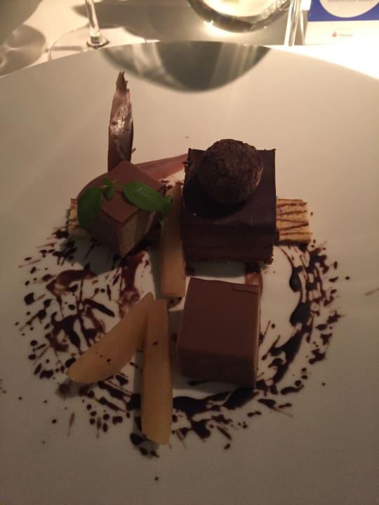 Dessert im Apples Restaurant Park Hyatt Hamburg