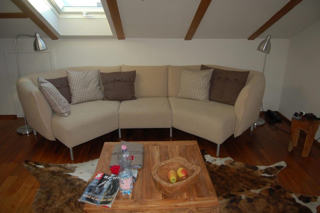 Wohnzimmer mit XXL-Sofa Ferienwohnungen Schittlerhaus