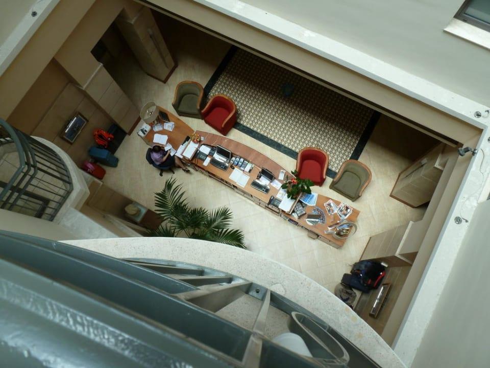Blick vom Zimmer aus nach Unten Maritim Antonine Hotel & Spa Malta