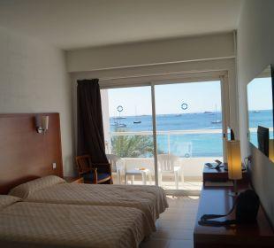 Zimmer mit gigantischem Ausblick. Hotel Ibiza Playa
