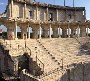 Blick vom Zimmer auf den Colosseo Bogen Hotel Colosseo Europa-Park