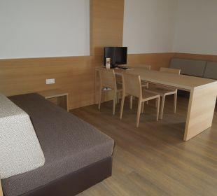Kommunikationstisch Hotel Schatz.Kammer Burg Kreuzen