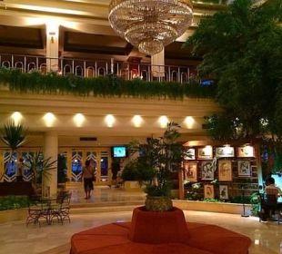 Холл The Grand Hotel