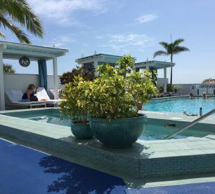 Pool am Nachmittag Hotel Ocean Key Resort & Spa