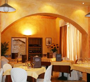 Teil des Restaurants Hotel Monti