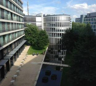 Blick in den Innenhof Radisson Blu Hotel Köln