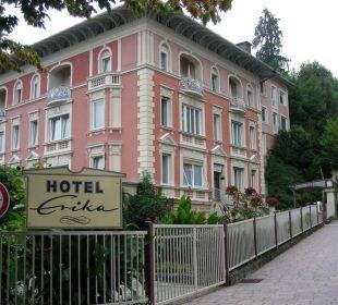 Von der Straße aus Hotel Pension Erika