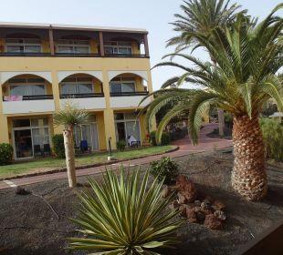 Między budynkami Hotel Barcelo Jandia Playa