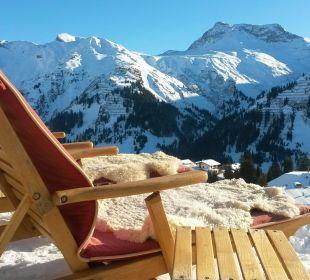 Entspannt im Liegestuhl die Aussicht genießen Hotel Goldener Berg