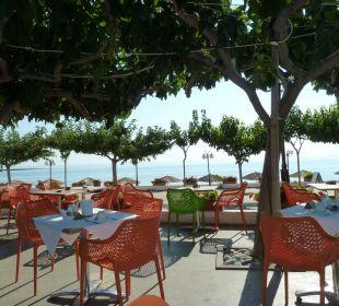 Blick von der Frühstücksterrasse Hotel Corissia Princess