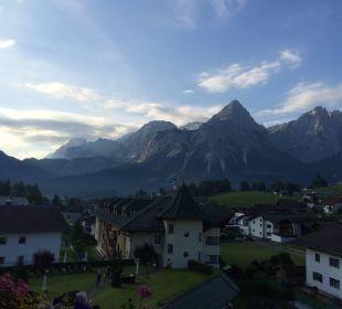 Ausblick vom Zimmer Leading Family Hotel & Resort Alpenrose