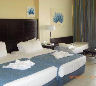 Wohn-/Schlafbereich  Hotel Reef Oasis Blue Bay