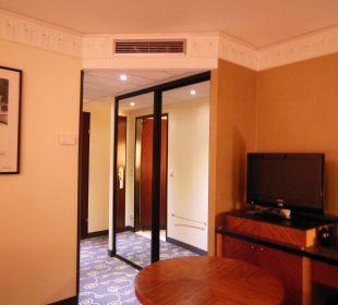 Eingang mit Kleiderschrank Hotel Am Konzerthaus - MGallery collection