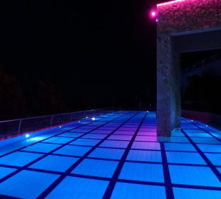 Adult only pool PURAVIDA Resort Seno