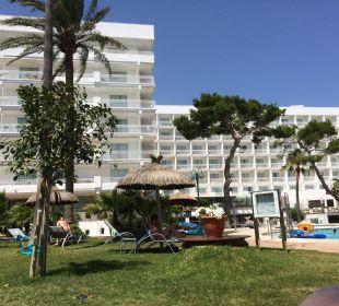 Aussenbereich mit Pool Hotel Playa Esperanza
