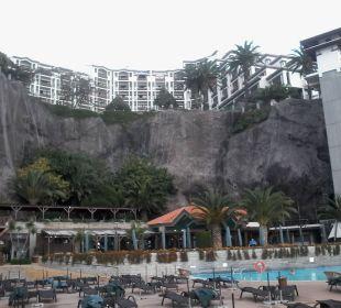 The Cliff Bay Außenansicht von der Sonnenterrasse Hotel The Cliff Bay (PortoBay)