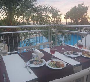 Ausblick beim Abendessen Hotel Club Kastalia