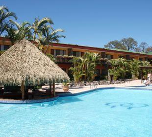 Innenhof des Hotels mit Pool DoubleTree by Hilton Hotel Cariari San Jose - Costa Rica