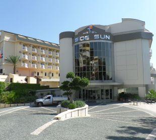 Das herrliche Eingangs Portal Hotel Side Sun