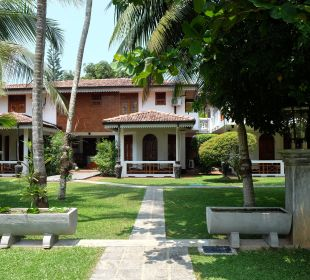 Blick vom Pool auf Amals' Villa Amal Villa