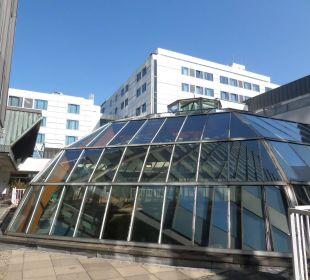 Blick vom Saunagarten Hotel Palace Berlin