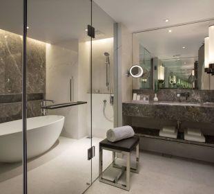 Executive Suite Bathroom Carlton Hotel Singapore