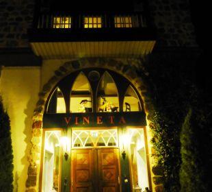 Eingangsportal bei Nacht Hotel Forsthaus Damerow