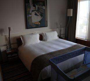 Kingsize Bett mit Kinderbett Hotel Sofitel Berlin Kurfürstendamm