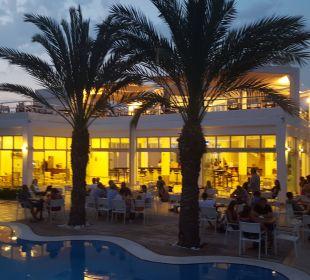 Die Bar und Pool Hotel Club Kastalia