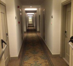 Flur zum Zimmer Hotel Side Crown Palace