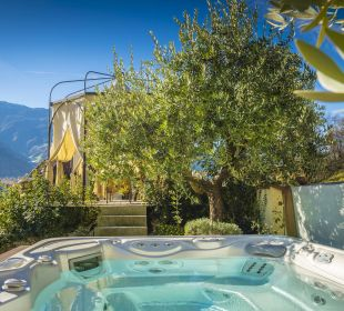 Whirlpool im Olivenhain DolceVita Hotel Preidlhof