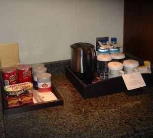 Zimmer gratis Wasser-Kaffee-Tee Hotel Grand Millennium Al Wahda Abu Dhabi