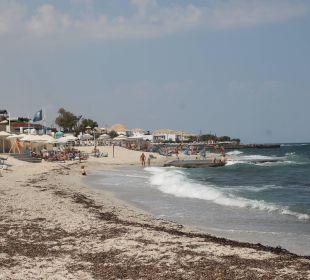 Blick am Strand AKS Annabelle Beach Resort
