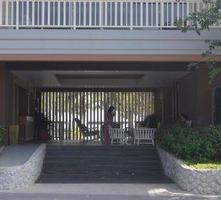2. Eingang zu Strandvillas und 2. Pool mit Zimmern Hotel Rest Detail Hua Hin