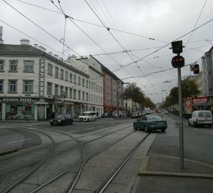 Straße vor dem Hotel Senator Hotel