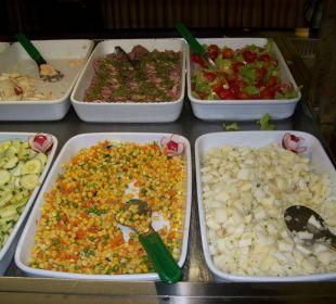 Abends: Gemüse und Salate