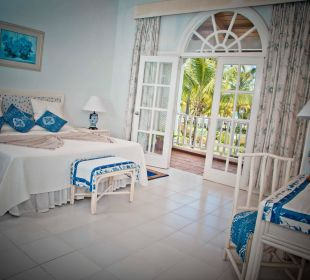 One king size bed Villa Serena