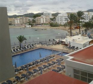 Pool vom Fester aus gesehen Fiesta Hotel Milord
