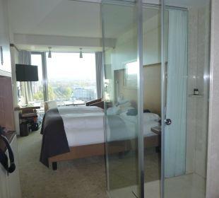 Zimmer mit offener Dusche Pullman Dresden Newa