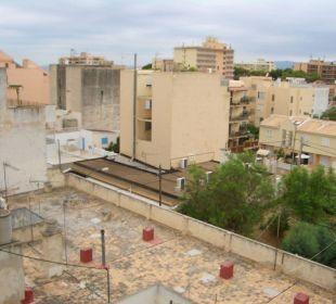 Weiteres Bild vom Balkon zur anderen Seite Hotel Calma
