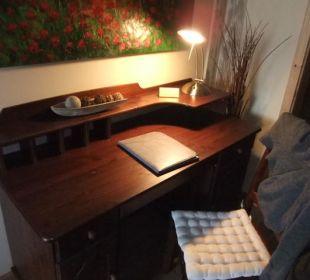 Zimmer 1 Der Schreibtisch Hotel Landhaus Wremer Deel