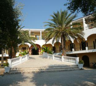 Hoteleingang Hotel Paradise Corfu